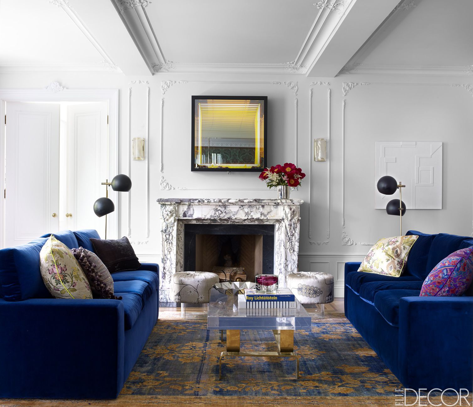 . HOUSE TOUR  A New York Apartment With Dramatic Flair