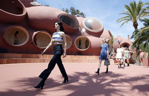 Tourism, Sunglasses, World, Travel, Arecales, Pedestrian, Palm tree, Aircraft, Walking, Military aircraft,