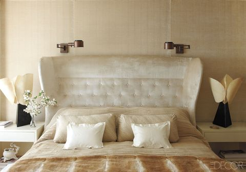 Room, Interior design, Textile, Wall, Couch, Linens, Home, Living room, Pillow, Cushion,