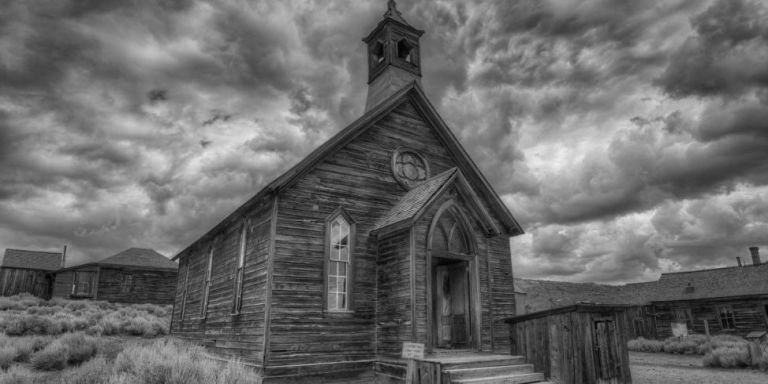 13 Of The Spookiest Ghost Towns In America