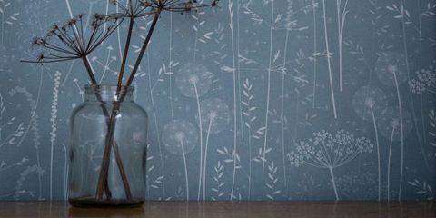 Wood, Branch, Twig, Blackboard, Wood stain, Chalk, Handwriting, Vase, Flowerpot, Drawer,