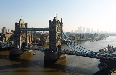 Bridge, Waterway, Metropolitan area, Watercraft, City, Metropolis, Channel, Suspension bridge, Cityscape, Urban area,