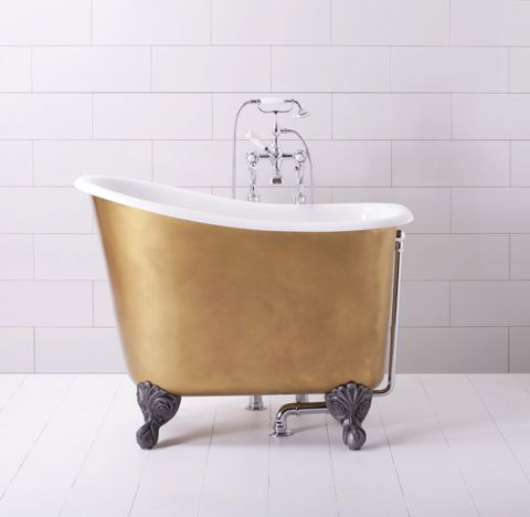 9 Small Bathtubs - Tiny Bath Tub Sizes - ElleDecor.com
