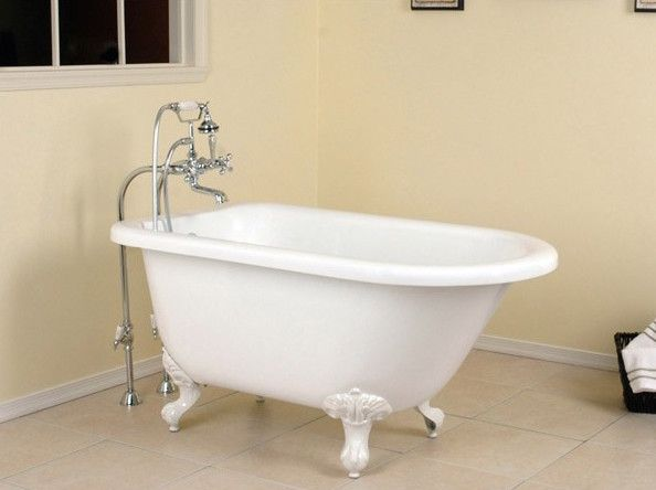 9 small bathtubs tiny bath tub sizes elledecorcom - Bathroom Designs With Bathtubs