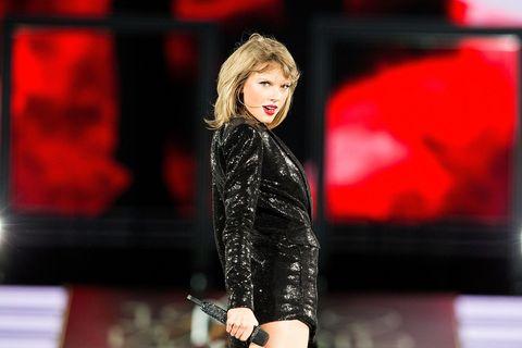 Blond, Singer, Makeover, Lipstick, Talent show, Fashion model,
