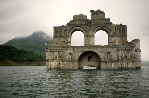 400-Year-Old Mexican Church Mystically Emerges From Reservoir During Drought