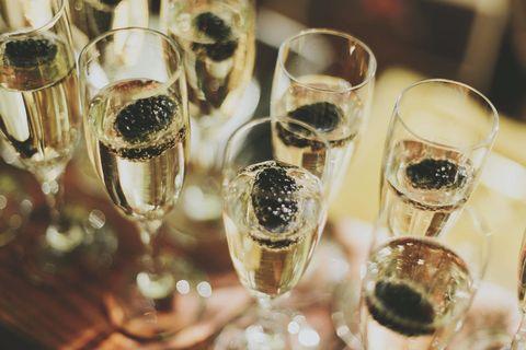 Drinkware, Glass, Stemware, Barware, Alcoholic beverage, Alcohol, Drink, Dessert wine, Champagne stemware, Tableware,