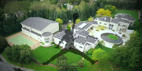 Plant, Property, Landscape, Tree, Land lot, Urban design, Roof, Garden, Residential area, Real estate,