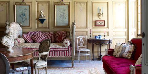 Room, Wood, Interior design, Floor, Flooring, Living room, Furniture, Ceiling, Table, Home,