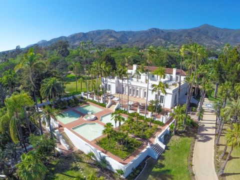 "Step Inside The Stunning Mansion From ""Scarface"""