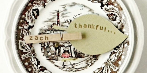 11 Thanksgiving Place Cards That Are Sure To Impress