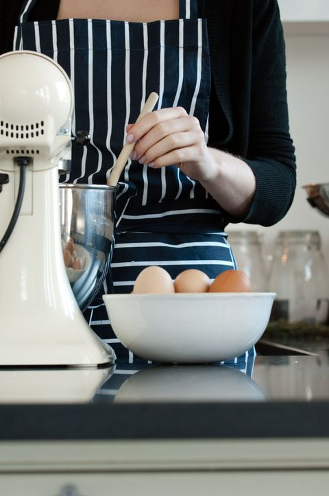 Serveware, Dishware, Bowl, Mixing bowl, Porcelain, Cooking, Ceramic, Kitchen, Kitchen utensil, Countertop,
