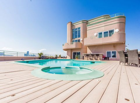 A Look Back At Frank Sinatra S Most Impressive Homes