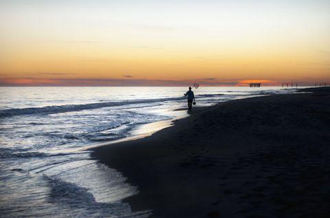 Body of water, Coastal and oceanic landforms, Coast, Shore, Waterway, Fluid, Sunset, Dusk, Sunrise, Horizon,