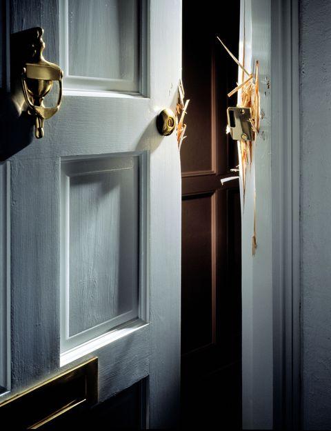 Fixture, Door, Home door, Handle, Material property, Door handle, Wood stain, Household hardware, Varnish, Hardware accessory,