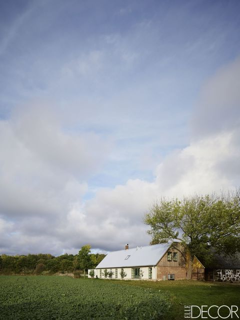 Daytime, Cloud, Landscape, Land lot, House, Rural area, Roof, Farm, Cumulus, Residential area,