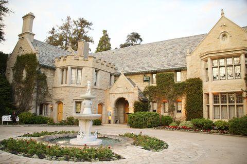 Plant, Window, House, Real estate, Garden, Fountain, Door, Roof, Shrub, Driveway,