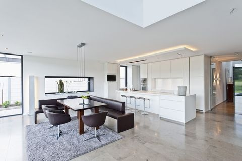 Floor, Interior design, Room, Flooring, Property, Architecture, White, Real estate, Ceiling, Wall,