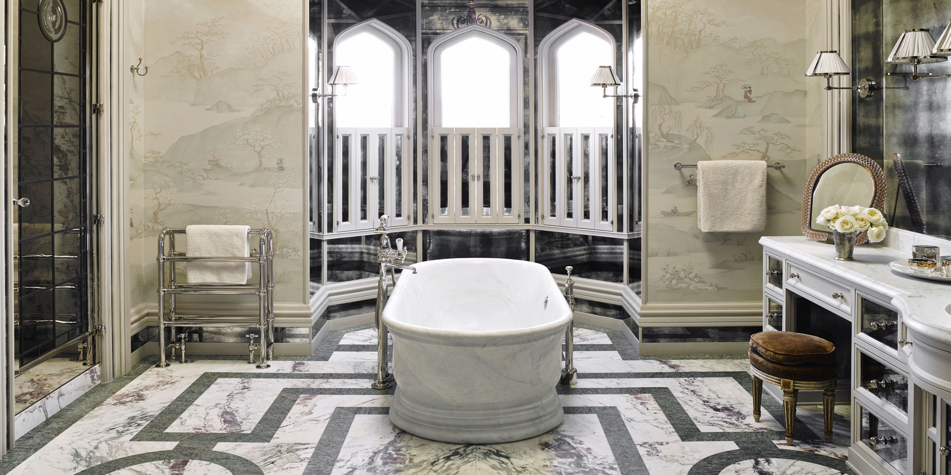 20 Luxurious Bathtubs To Soak In