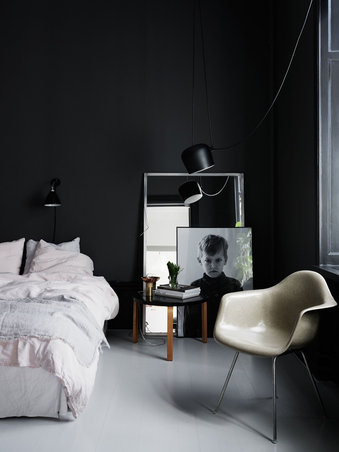 Black Bedroom 35 best black and white decor ideas  black and white design