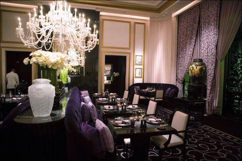 Lighting, Interior design, Room, Tablecloth, Textile, Table, Furniture, Interior design, Ceiling, Light fixture,