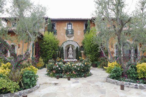 Plant, Shrub, Garden, Flower, House, Landscaping, Yard, Villa, Hacienda, Park,