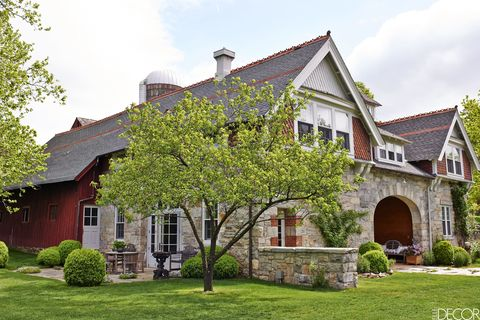 Beautiful rustic 1870s carriage house