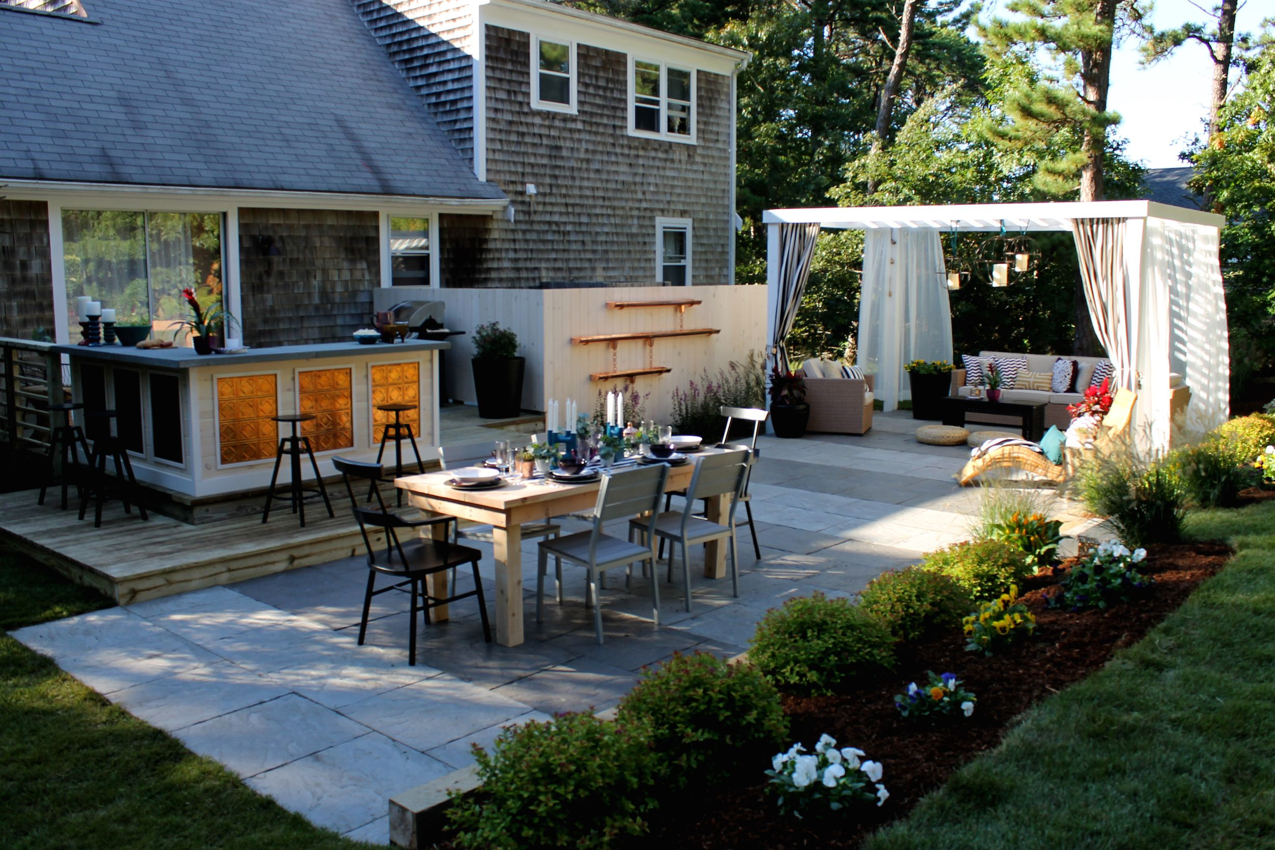 Lovely 17 Low Maintenance Landscaping Ideas U2013 Chris And Peyton Lambton Backyard  Design Tips