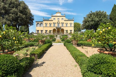 Plant, Garden, Shrub, Hedge, Villa, Mansion, Park, Manor house, Palace, Official residence,