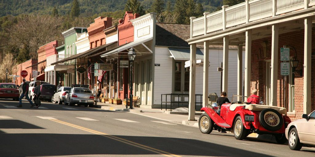 The 20 Best Small Towns In America To Visit In 2016, According To The Smithsonian