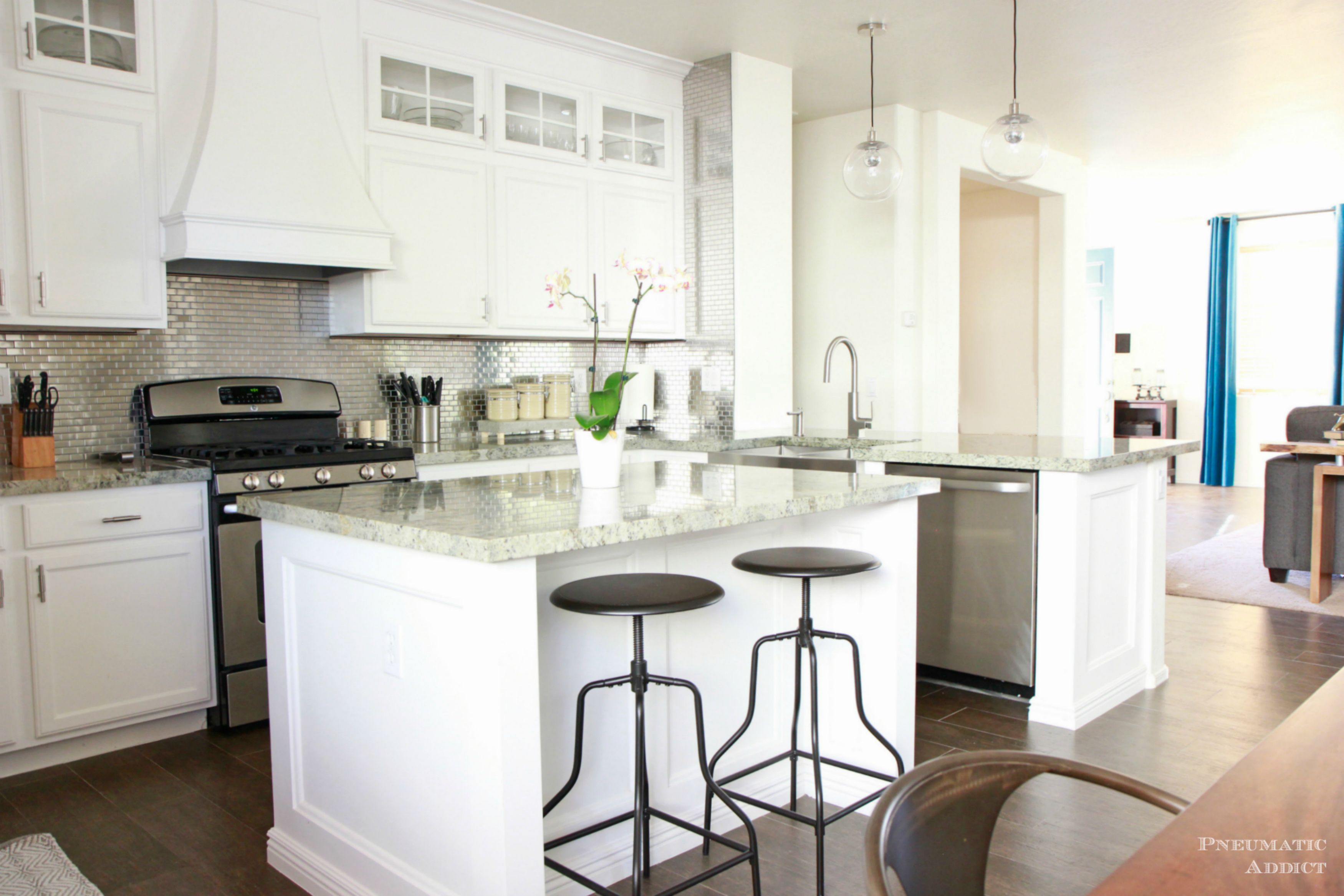 exceptional Images Of White Cabinets In Kitchen #3: Elle Decor