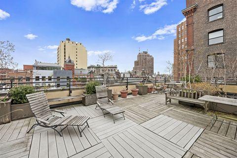 Neighbourhood, Building, Residential area, Apartment, Real estate, Urban design, Mixed-use, Deck, Cumulus, Hardwood,