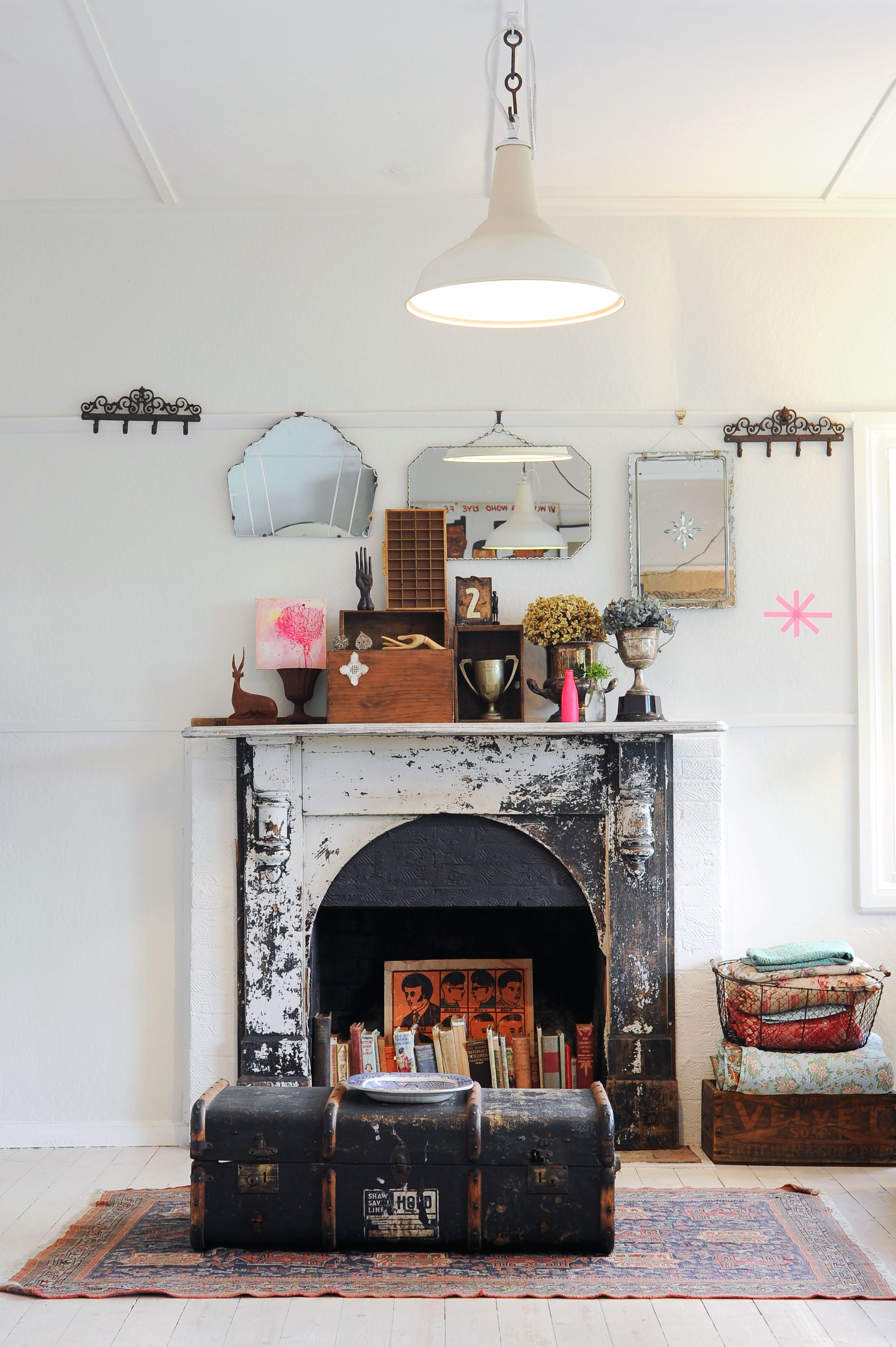 Nonworking fireplace & 12 Decorating Ideas For Nonworking Fireplace Design - Living Room ...