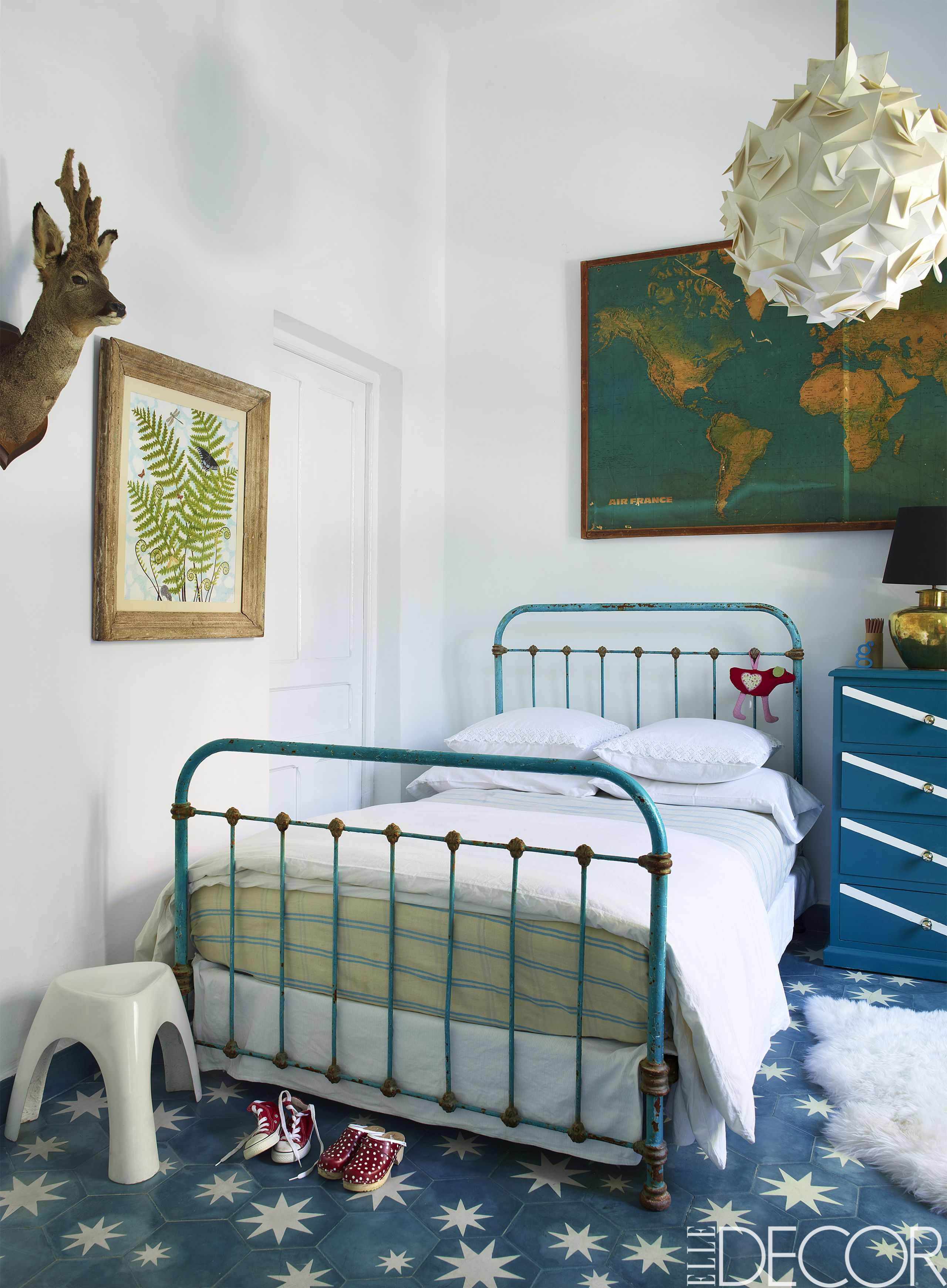 10 Girls Bedroom Decorating IdeasCreative Girls Room Decor Tips