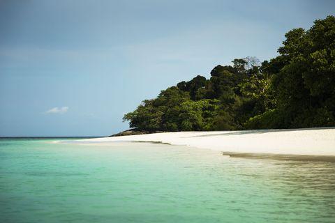 Body of water, Coastal and oceanic landforms, Nature, Natural environment, Coast, Shore, Water resources, Natural landscape, Ocean, Aqua,