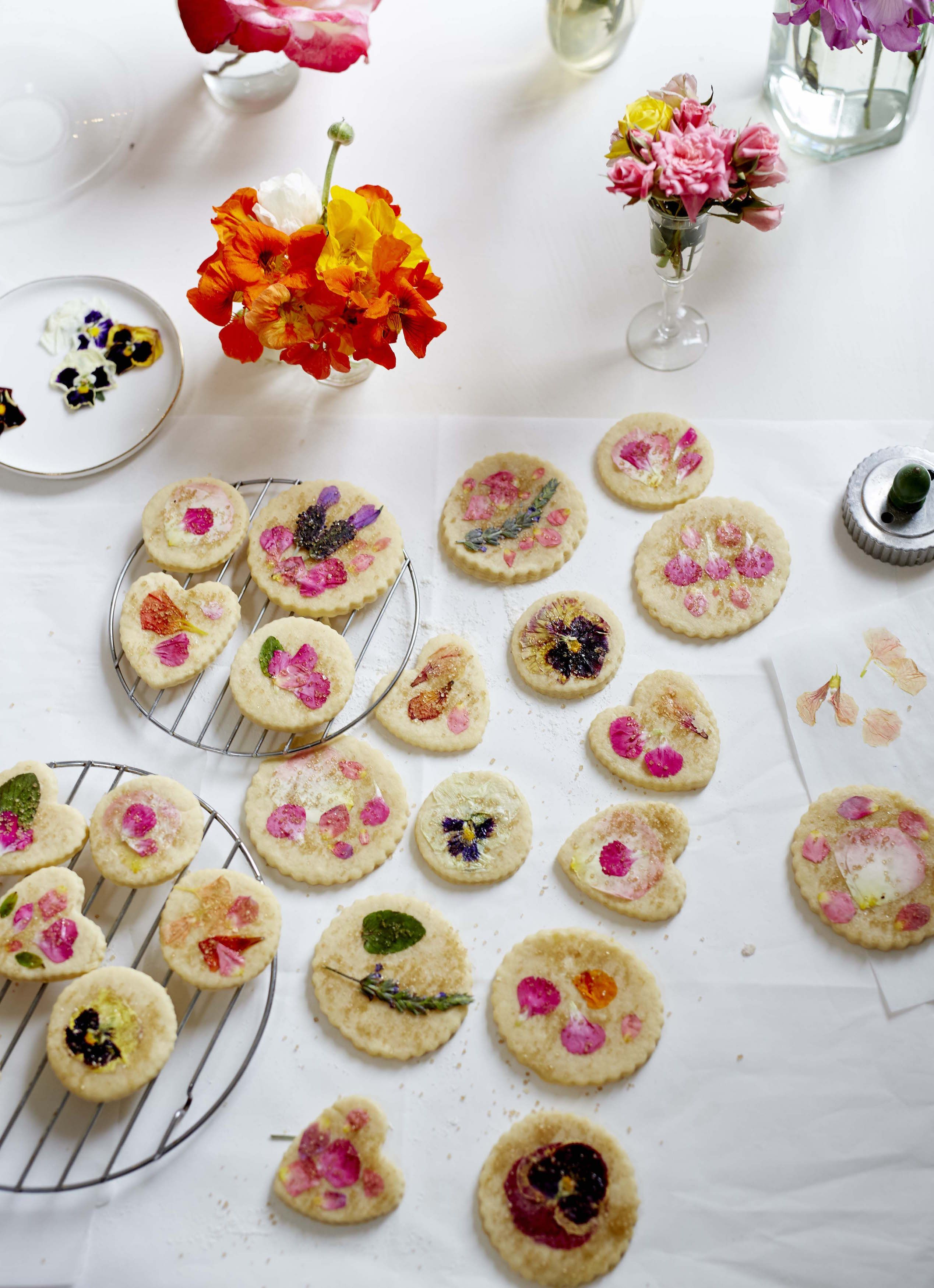 Sugar Cookie Recipe With Edible Flowers Summer Desserts