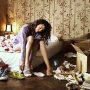 Lighting, Room, Interior design, Comfort, T-shirt, Lamp, Interior design, Athletic shoe, Linens, Curtain,