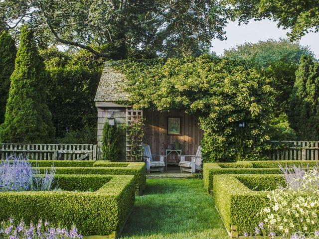 Tour Ina Garten S Famous Garden In East Hampton