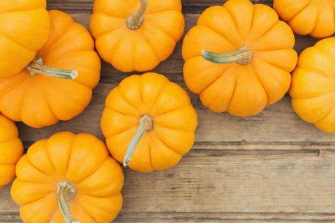 Vegan nutrition, Whole food, Squash, Yellow, Local food, Orange, Produce, Vegetable, Natural foods, Wood,