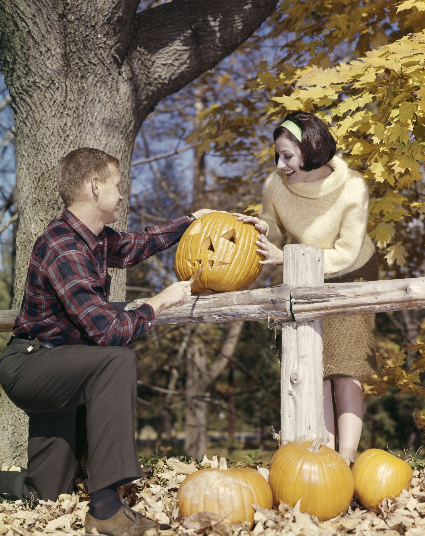 20 best vintage halloween decorations retro halloween decor