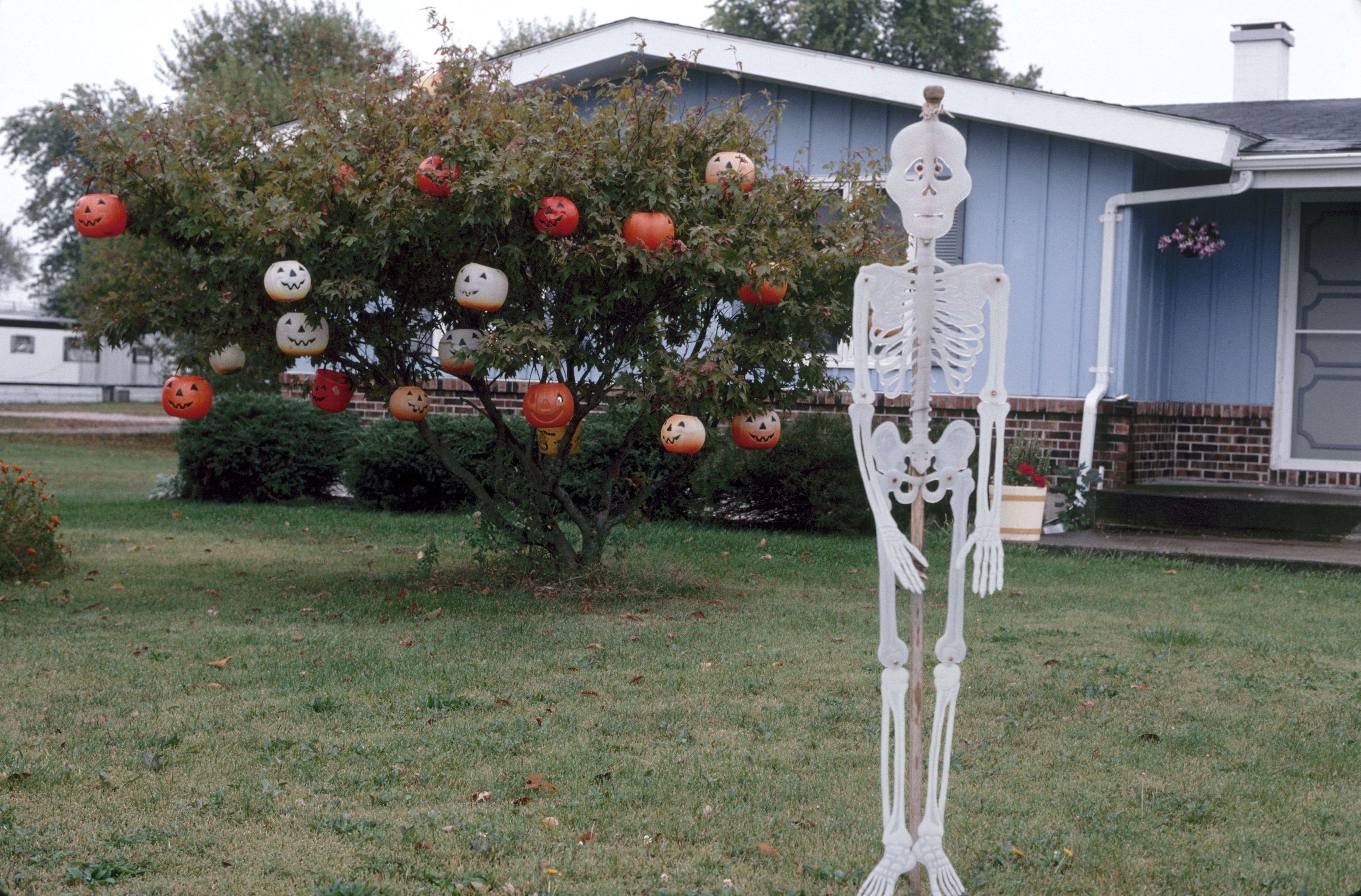 30 Best Vintage Halloween Decorations Retro Halloween
