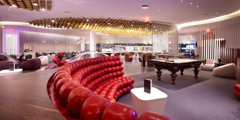 21 Best Airport Lounges In The World To Relax, Eat and Even Get A Haircut