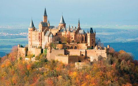 Landscape, Building, Spire, Landmark, Castle, House, Steeple, Medieval architecture, Château, Turret,