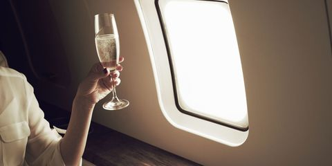 10 Airline Amenities That Make Flying More Glamorous