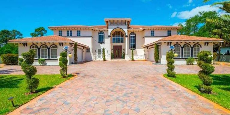 11 celebrity homes for sale luxury homes and mansions for Big mansion homes for sale