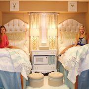 Lighting, Room, Interior design, Comfort, Textile, Bed, Bedding, Linens, Bedroom, Lamp,