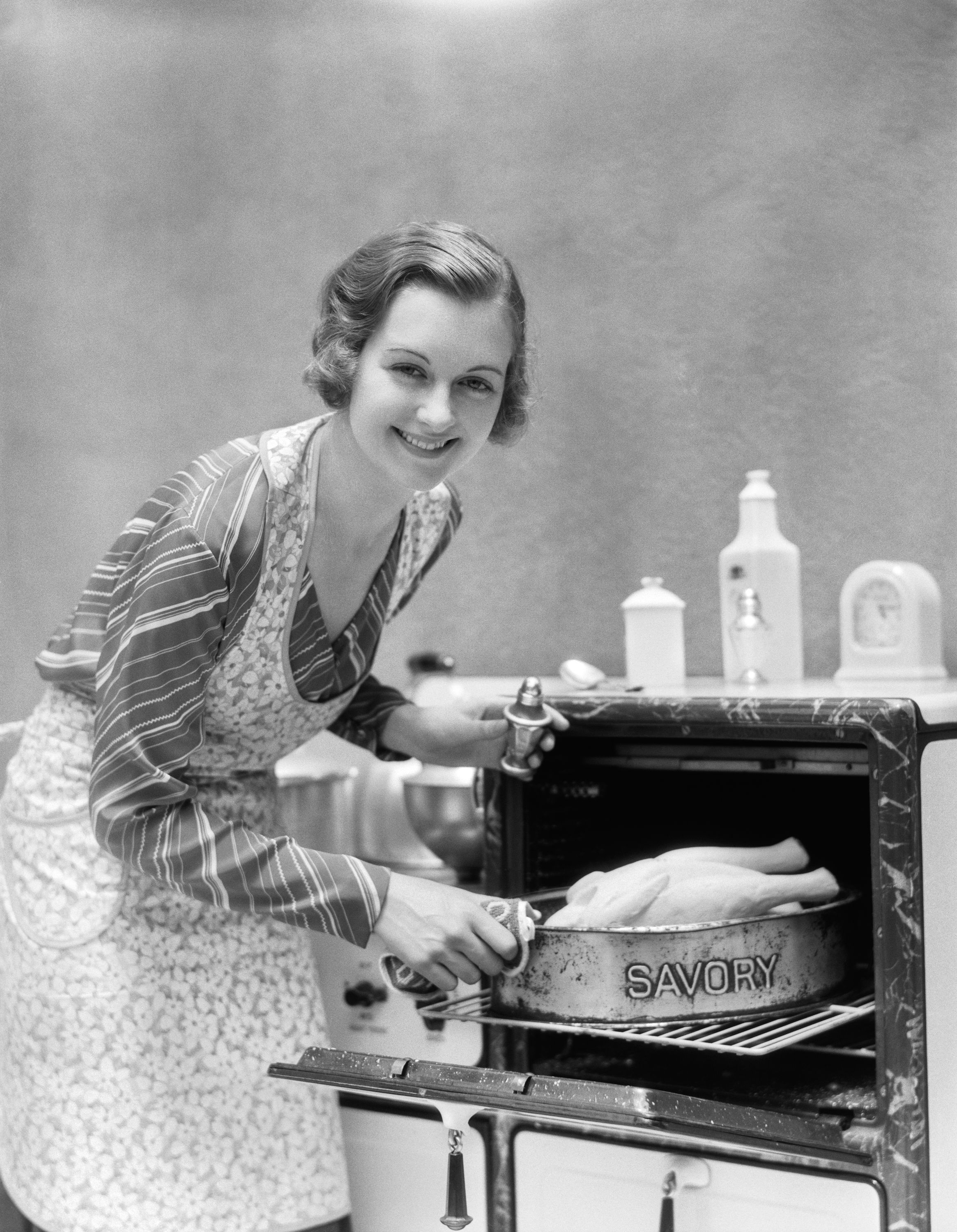31 Vintage Thanksgiving Pictures From The Past 100 Years