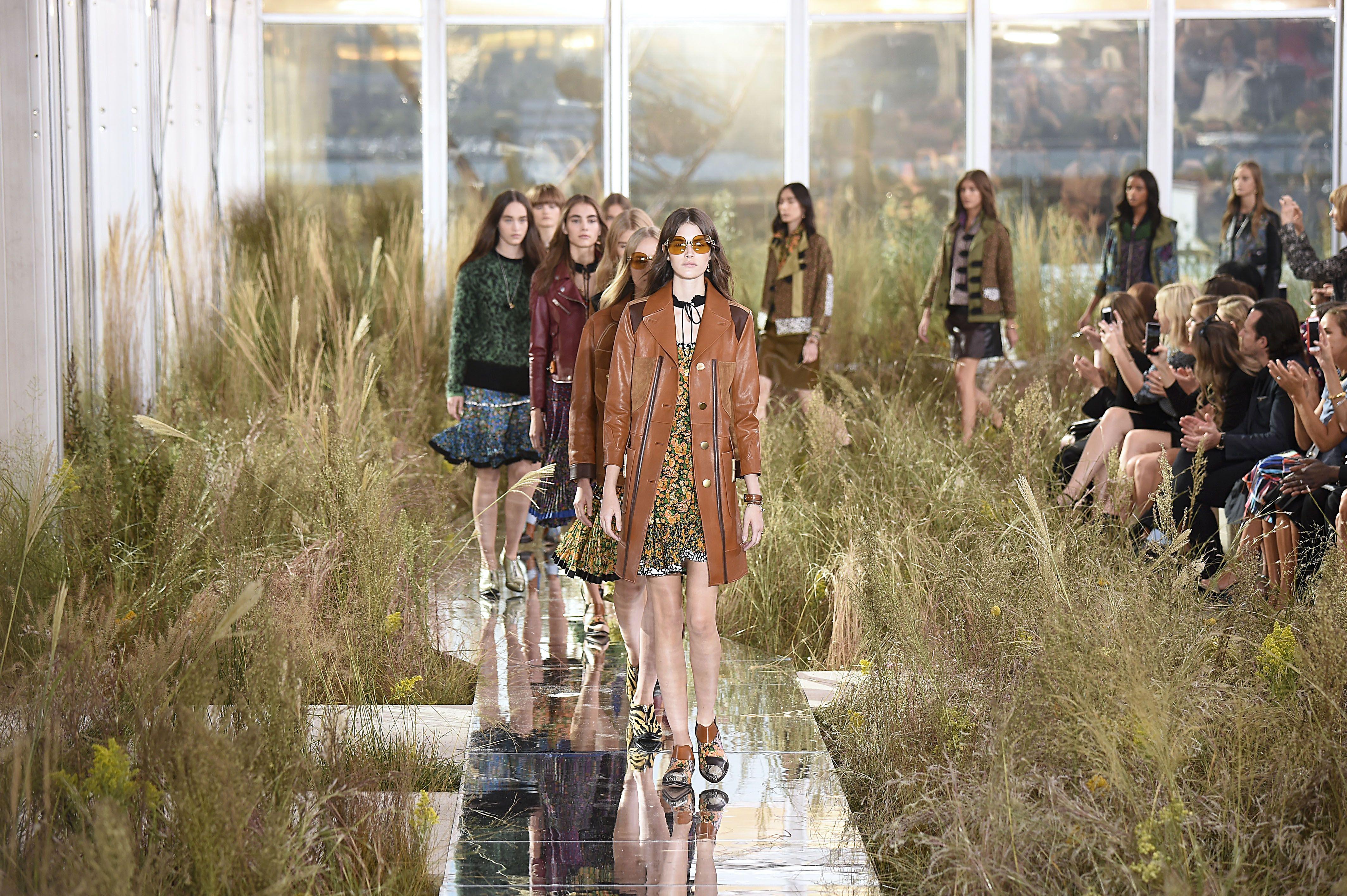 Best Fashion Show Sets