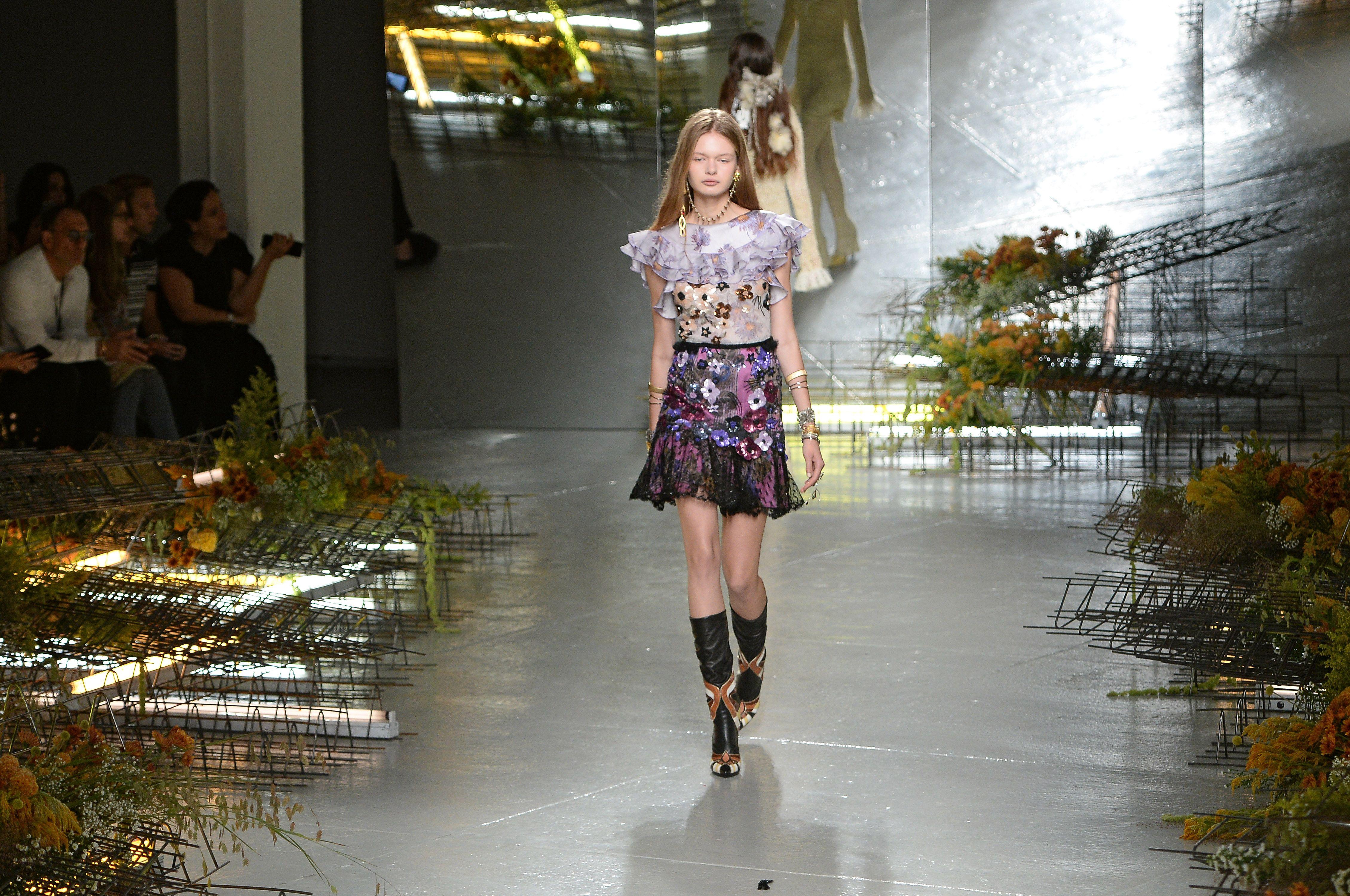 0e50e4c0d95d Best Fashion Show Sets - Fashion Show Runways