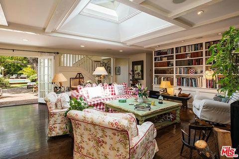 Interior design, Lighting, Room, Floor, Ceiling, Furniture, Interior design, Home, Flooring, Table,